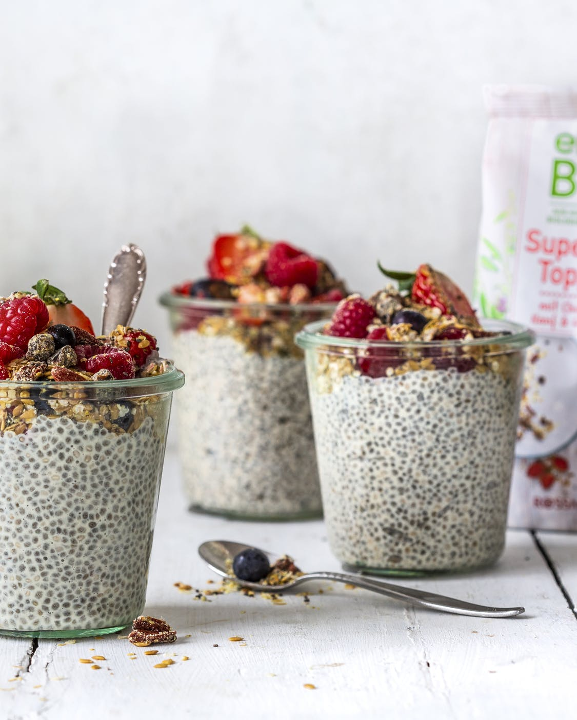 Chia-Pudding mit Superfood Topping